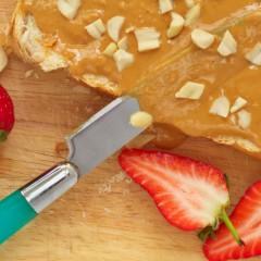 Frutillas rellenas con manteca de maní