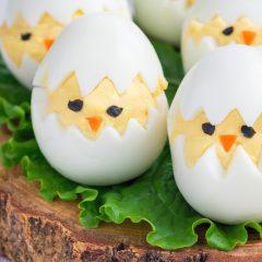 Divertidos huevos rellenos